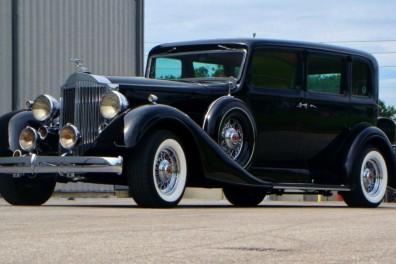 1934 Packard Super 8 Resto-Mod