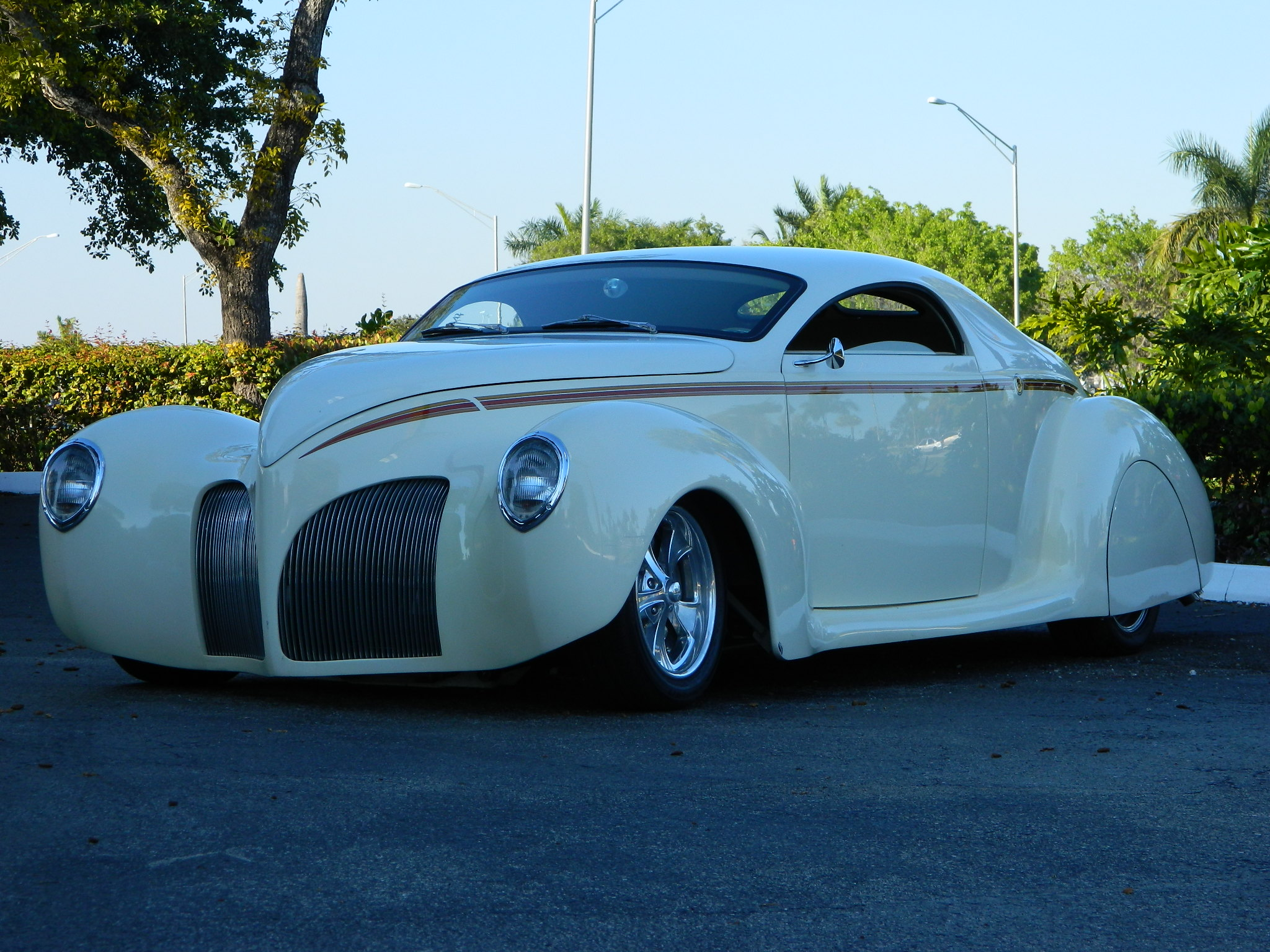 Orlando Auto Show >> 1939 Lincoln Zephyr by DecoRides - Hollywood Wheels ...