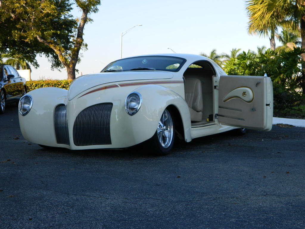 Car Auctions In Atlanta >> 1939 Lincoln Zephyr by DecoRides - Hollywood Wheels