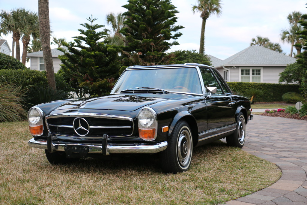1970 mercedes benz 280 sl twin 1 hollywood wheels auction shows. Black Bedroom Furniture Sets. Home Design Ideas