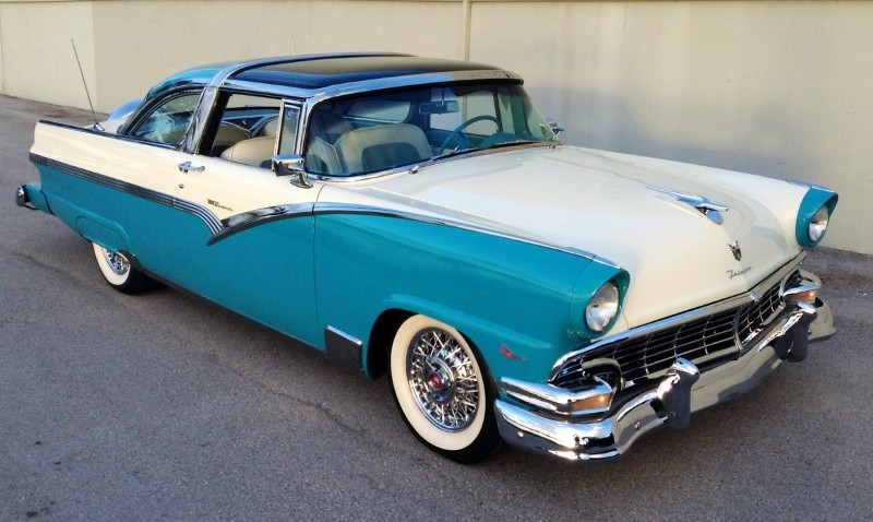 1956 Ford Crown Victoria Skyliner - Hollywood Wheels ...