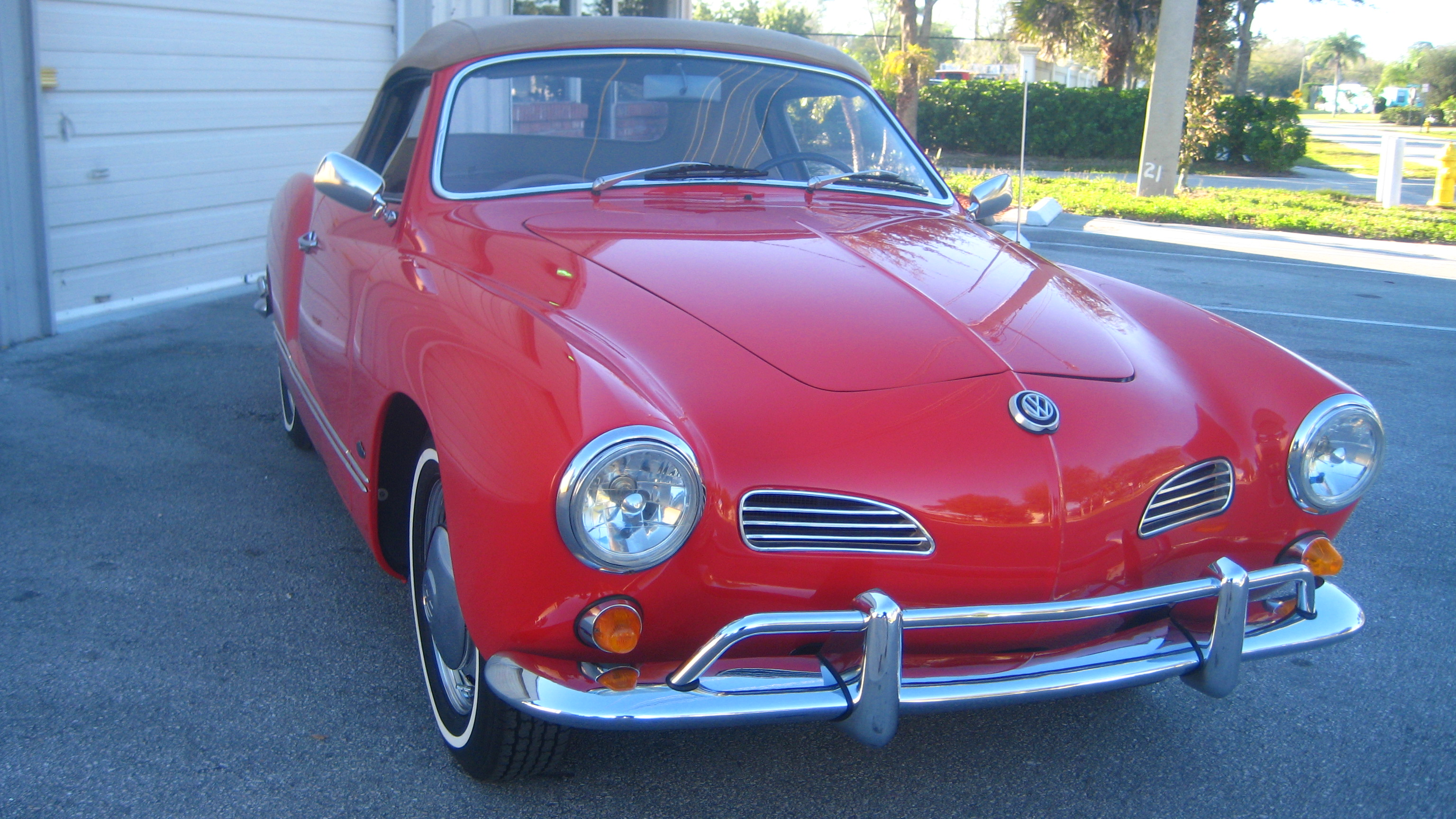 1967 volkswagen karmann ghia convertible hollywood wheels auction shows. Black Bedroom Furniture Sets. Home Design Ideas