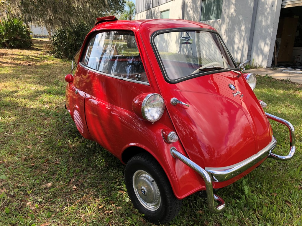 1958 Bmw Isetta 300 Hollywood Wheels Auction Shows