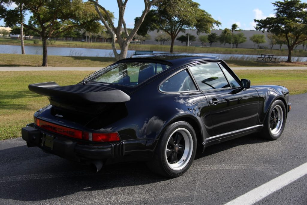 1986 Porsche 911 Turbo Hollywood Wheels Auction Shows